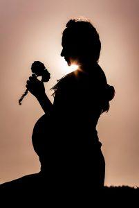 דולה-ליווי-בהריון-ואחרי-לידה